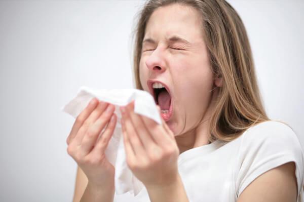 Дают ли больничный при аллергии и на сколько дней могут отстранить от работы