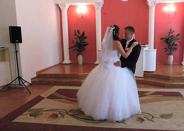 Выездная регистрация брака: стоимость, как проходит, что нужно для организации торжества