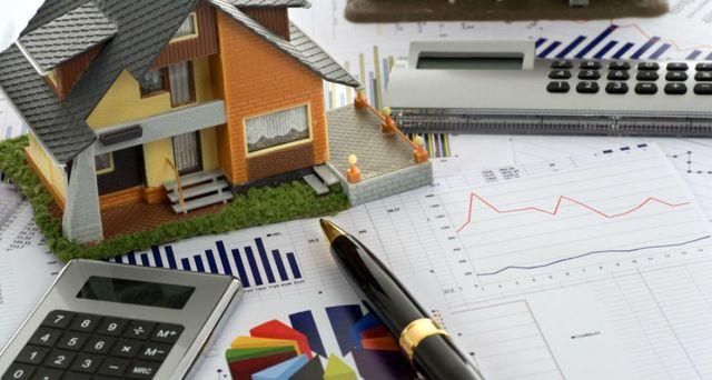 Сколько стоит вступить в наследство: стоимость услуг нотариуса при оформлении документов, госпошлина и налоги