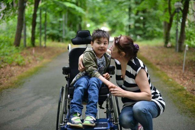 Как оформить инвалидность ребенку: какие документы нужны для оформления, каких врачей нужно пройти
