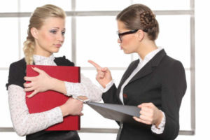 Увольнение главного бухгалтера: как уволить без его желания по закону