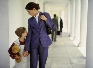Как забрать ребенка у матери отцу и может ли он это сделать