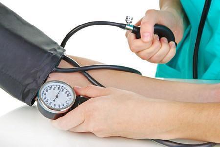 С каким давлением дают больничный лист: высокие и низкие показатели