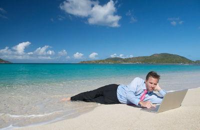 Как оформить перенос отпуска по желанию работника в графике отпусков