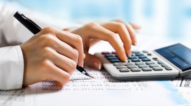 Расчет дополнительного отпуска за вредные условия труда: формулы и примеры