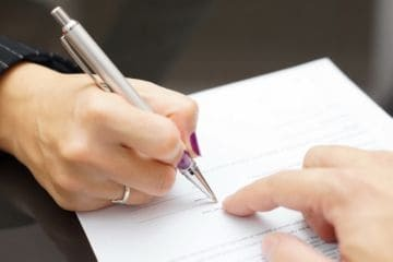 Как оформить дарственную на земельный участок: составление договора дарения