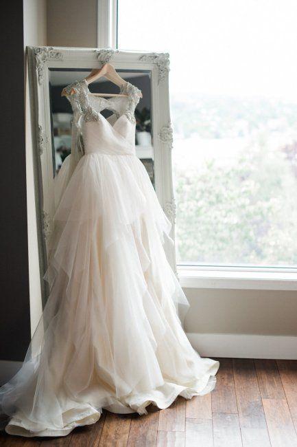 Что делать со свадебным платьем, фатой, бокалами и кольцами после развода