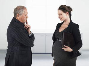 Декрет при двойне: как оформить и что положено женщине при многоплодной беременности