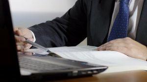 Приказ об увольнении в связи со смертью работника: образец, как написать