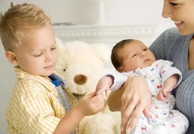 Выплаты на второго ребенка: единовременные и другие пособия