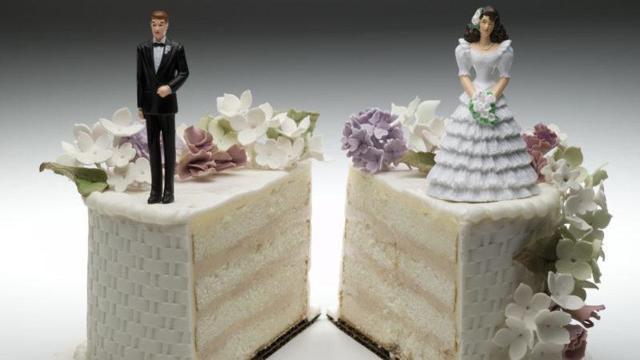 Как узнать, женат человек или нет: можно ли получить информацию в ЗАГСе и как проверить свидетельство