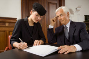 Кто наследует имущество после смерти супруга и как оно делиться между женой и детьми