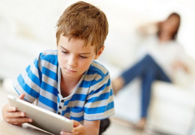 Может ли ребенок отказаться от отца, матери или обоих родителей