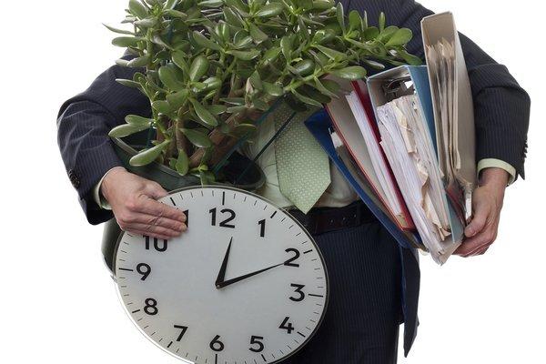 Нужно ли отрабатывать 2 недели при увольнении пенсионерам в 2020 году