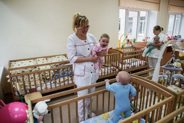 Приемная семья и опека: разница, чем отличаются от усыновления ребенка