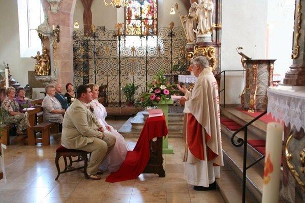 Брак католика и православной, католиков между собой: венчание в церкви