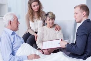 Как вступить в наследство после смерти матери: когда и кто получит имущество
