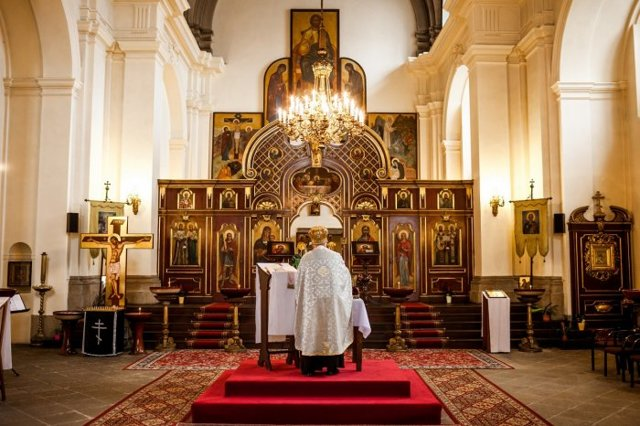 Развенчание церковного брака: процедура развода в церкви, что нужно и сколько стоит