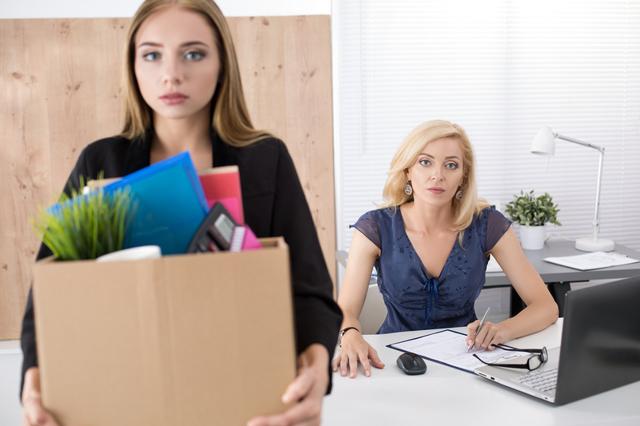 Заявление на увольнение по уходу за ребенком до 14 лет: образец, можно ли уйти без отработки