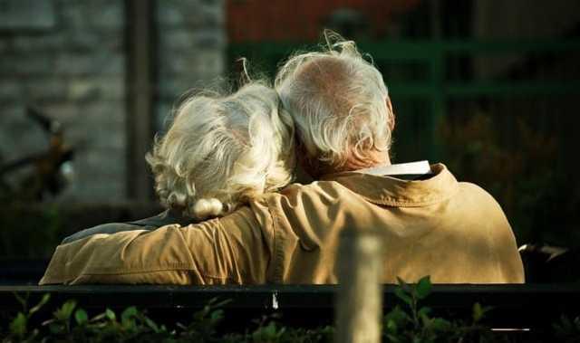 Переход на пенсию мужа после его смерти - может ли вдова претендовать на дополнительные выплаты