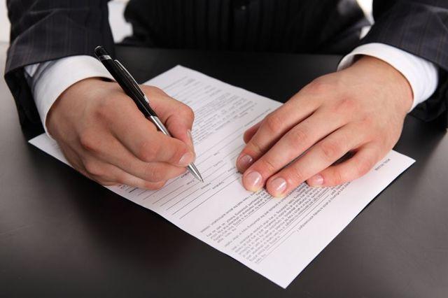 Свидетельство о браке при разводе: забирают или нет, как получить справку