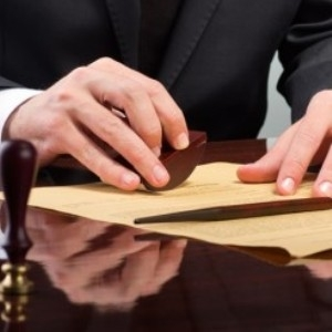 Кто первый наследник после смерти мужа и как вступить в наследственные права