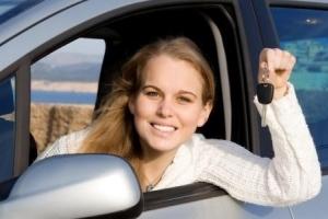 Как переписать машину на жену, находясь в браке: варианты переоформления автомобиля