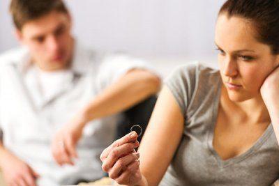 Как выселить бывшего мужа из квартиры, если он прописан (не прописан)