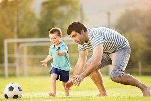 Можно ли усыновить ребенка одинокому мужчине и как это сделать
