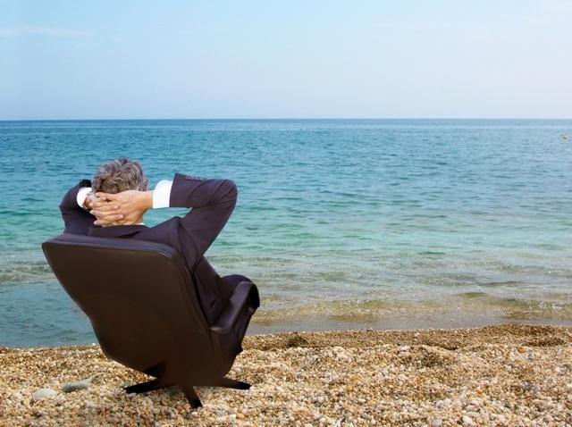 Не отпускают в отпуск в связи с производственной необходимостью: законно ли это и что делать