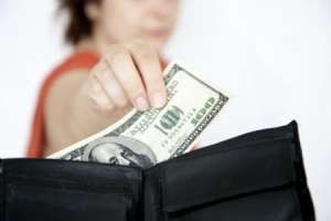 Выплата при разводе на содержание супруги в декрете - как правильно оформить?