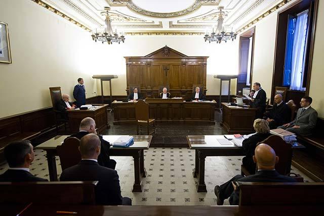 Решение о взыскании алиментов и задолженности: что нужно и как проходит суд