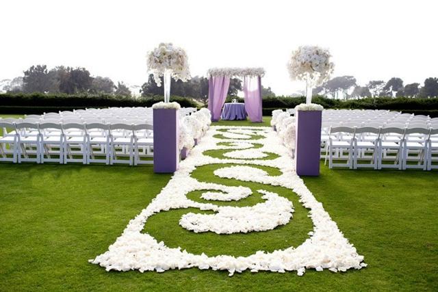 Свидетельство о заключении брака для выездной регистрации: размер бланка и варианты оформления