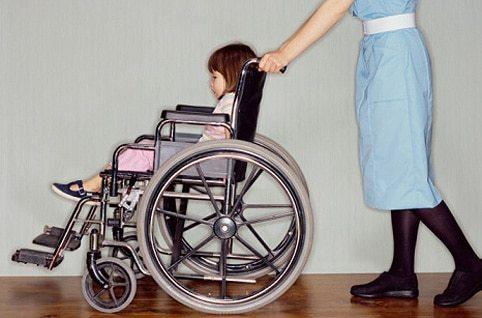 Положена ли квартира ребенку-инвалиду и жилищные льготы от государства