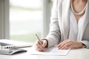 Срочный трудовой договор на время декретного отпуска и беременности: образец и правила оформления