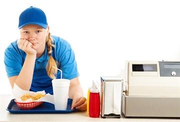 В каком случае работодатель не имеет права привлекать работника к сверхурочной работе без его согласия