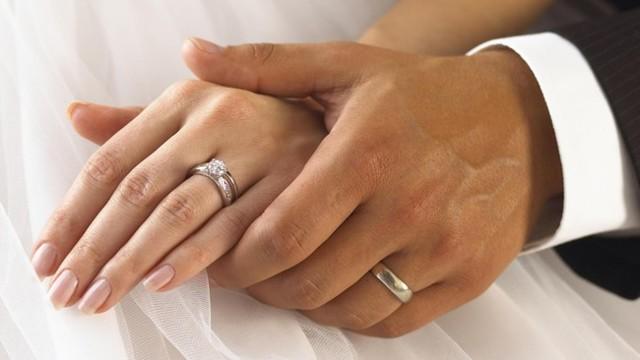 Бывшая жена выходит замуж: что делать, нужно ли платить алименты