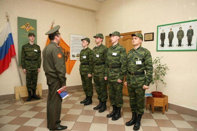 Увольнение по НУК: порядок увольнения военнослужащего по несоблюдению условий контракта