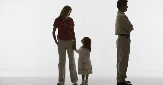 Если лишили отцовства, надо ли платить алименты: обязанности лишенных родительских прав