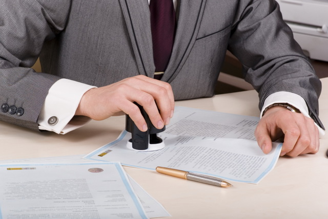 Стоимость оформления завещания: госпошлина,  сколько платить нотариусу за составление документа