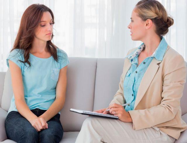 Меня бьет жена: что делать, если женщина распускает руки, советы психологов