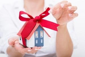 Можно ли отозвать дарственную на квартиру, дом, землю и как отменить договор дарения