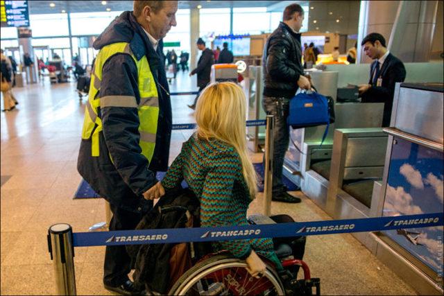 Льготы на проезд детям инвалидам: есть ли скидки на ЖД билеты и авиабилеты
