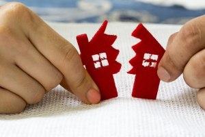 Если ипотека взята до брака, то после развода как делится квартира